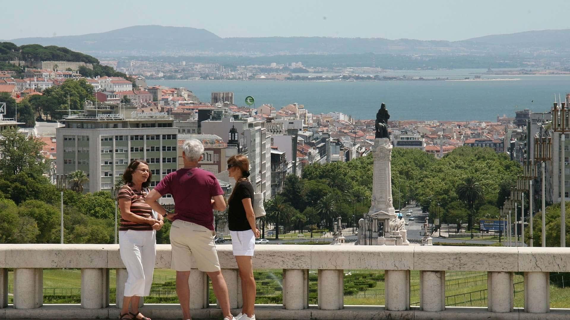 """Résultat de recherche d'images pour """"lisbonne tourism"""""""